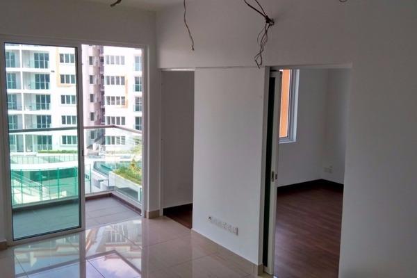 For Rent Condominium at Hijauan Saujana, Saujana Freehold Semi Furnished 1R/1B 1.5k