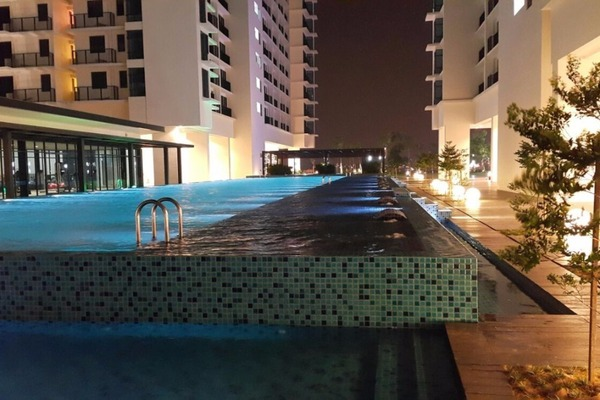 For Rent Condominium at Trefoil, Setia Alam Freehold Semi Furnished 0R/1B 1.3k