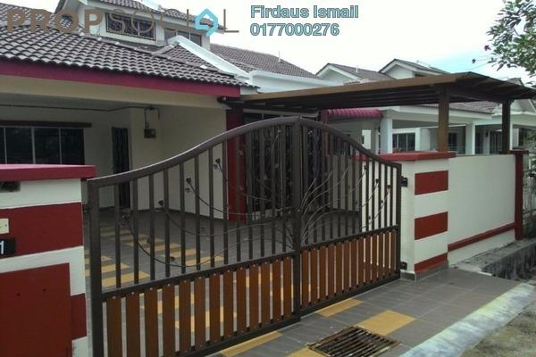 For Sale Semi-Detached at Taman Indah Puteri, Sepang Freehold Semi Furnished 4R/2B 450k