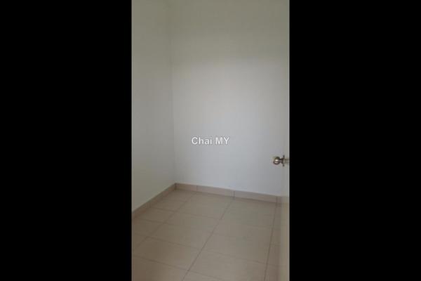 For Sale Condominium at Rimba Residence, Bandar Kinrara Leasehold Semi Furnished 3R/3B 780k
