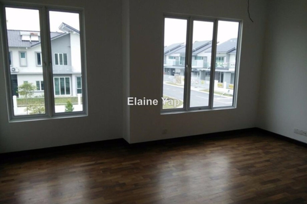 For Sale Bungalow at Jalan Equine, Equine Park Leasehold Semi Furnished 4R/5B 2m