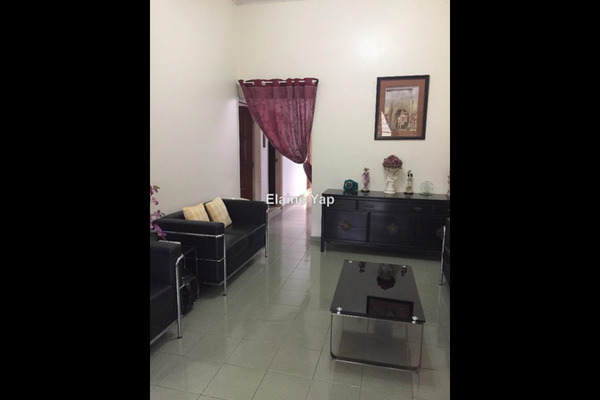 For Sale Semi-Detached at Taman Eng Ann, Klang Leasehold Semi Furnished 3R/3B 980k