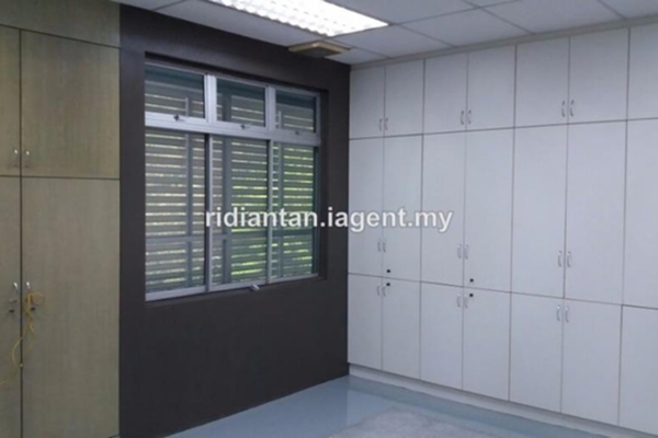 For Rent Factory at Section 26, Shah Alam  Unfurnished 1R/2B 9k