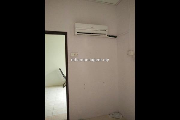 For Sale Apartment at Bayu Villa, Klang Freehold Unfurnished 3R/2B 245k