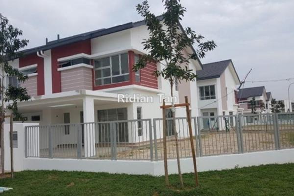 For Sale Terrace at Bandar Botanic, Klang Freehold Semi Furnished 4R/3B 685k