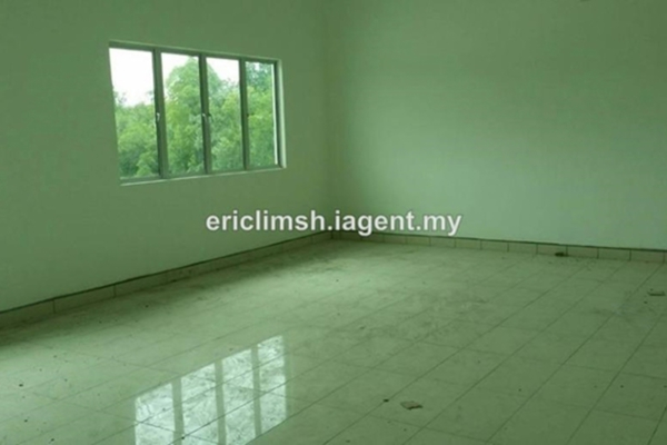 For Rent Factory at Kampung Telok Gong , Port Klang Leasehold Unfurnished 1R/3B 68k