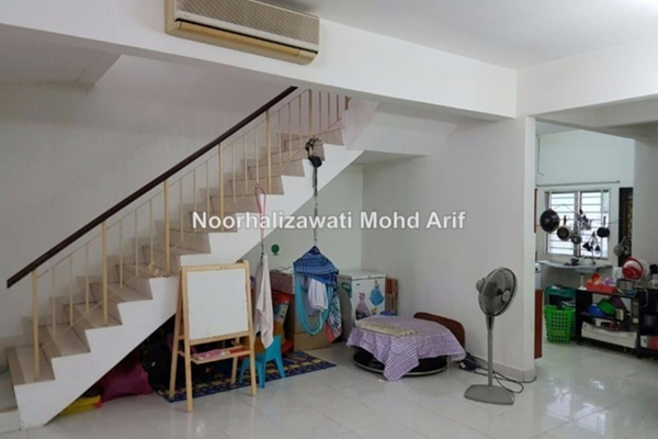 For Sale Terrace at Bandar Teknologi Kajang, Semenyih Freehold Unfurnished 5R/4B 595k