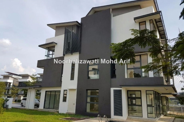 For Sale Semi-Detached at Precinct 8, Putrajaya Freehold Unfurnished 5R/5B 1.88m