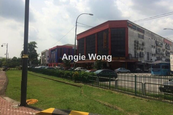 For Rent Condominium at The Heritage, Seri Kembangan Leasehold Semi Furnished 2R/2B 2.3k
