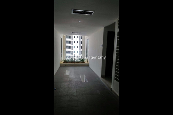 For Sale Serviced Residence at You One, UEP Subang Jaya Leasehold Semi Furnished 1R/1B 520k