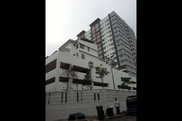 For Rent Condominium at 228 Selayang Condominium, Selayang Leasehold Semi Furnished 3R/2B 1.3k