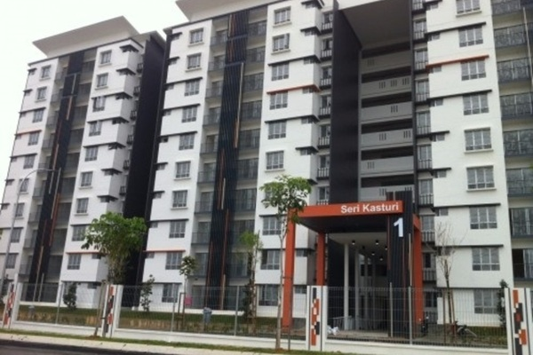 For Rent Condominium at Seri Kasturi, Setia Alam Freehold Semi Furnished 3R/2B 950translationmissing:en.pricing.unit