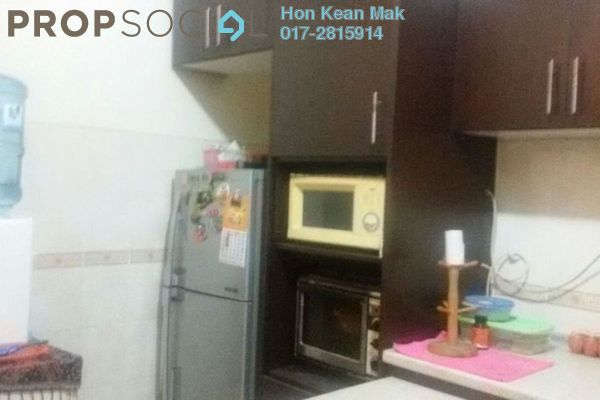 For Sale Apartment at Merak Apartment, Bandar Kinrara Freehold Semi Furnished 3R/2B 375k