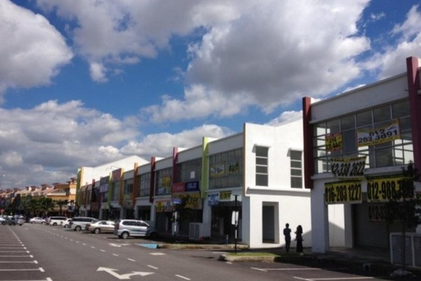 For Rent Shop at Taman Puncak Jalil, Bandar Putra Permai Leasehold Semi Furnished 1R/2B 1.2k