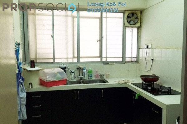 For Sale Condominium at Koi Tropika, Puchong Leasehold Semi Furnished 3R/2B 358k