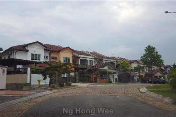 For Rent Terrace at Kota Kemuning Hills, Kota Kemuning Freehold Semi Furnished 4R/3B 1.5k