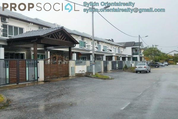 For Sale Terrace at Hillpark, Semenyih Freehold Semi Furnished 4R/3B 535k