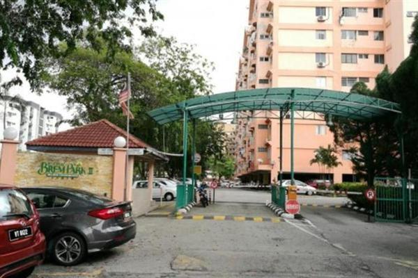 For Rent Condominium at Brem Park, Kuchai Lama Leasehold Semi Furnished 3R/2B 1.15k