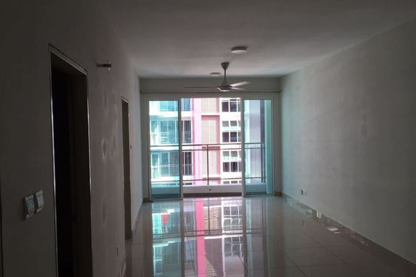 For Sale Condominium at Pacific Place, Ara Damansara Leasehold Semi Furnished 2R/2B 525k