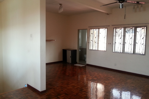 For Rent Terrace at Zone K, Sri Petaling  Semi Furnished 4R/3B 2.3k