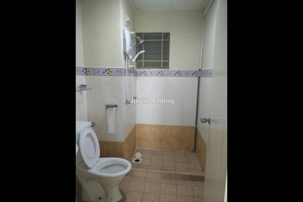 For Sale Serviced Residence at Koi Tropika, Puchong Leasehold Semi Furnished 3R/2B 450k