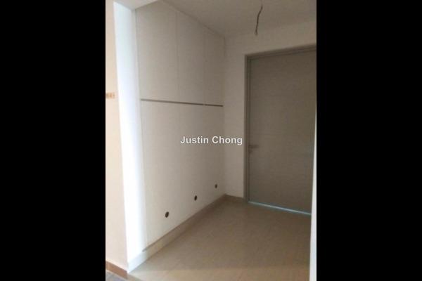 For Sale Serviced Residence at Hijauan Saujana, Saujana Leasehold Semi Furnished 3R/2B 800k
