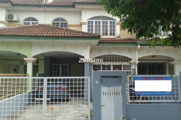 For Sale Terrace at BP3, Bandar Bukit Puchong Freehold Semi Furnished 4R/3B 580k