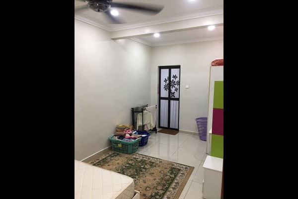 For Sale Terrace at Taman Puncak Jalil, Bandar Putra Permai Leasehold Semi Furnished 5R/3B 760k