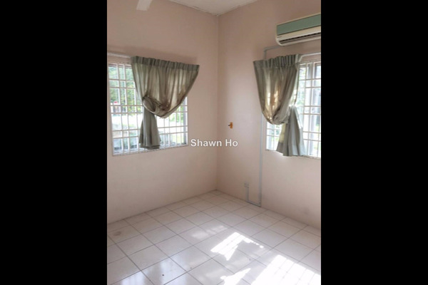 For Rent Terrace at Taman Desa Mas, Rawang Leasehold Semi Furnished 4R/3B 1k