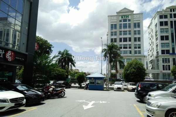 For Rent Shop at Taman Ampang Hilir, Ampang Leasehold Unfurnished 0R/2B 2.2k