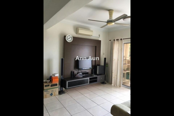For Sale Condominium at Aseana Puteri, Bandar Puteri Puchong Leasehold Semi Furnished 3R/2B 600k