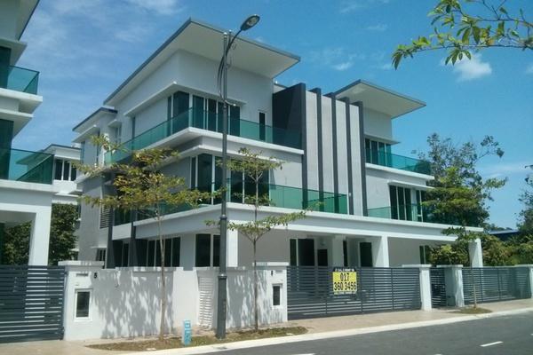 For Sale Semi-Detached at Taman Cheras Idaman, Bandar Sungai Long Leasehold Unfurnished 5R/6B 2.15m