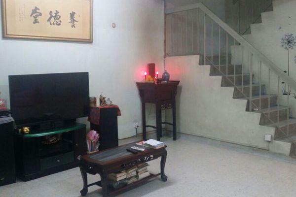 For Sale Terrace at Taman Len Seng, Cheras  Semi Furnished 5R/2B 680k