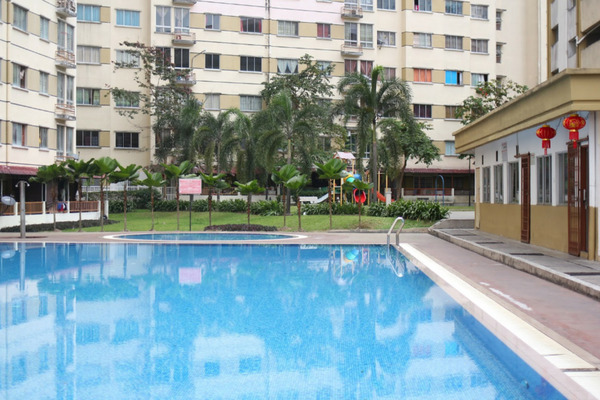 For Sale Apartment at Vista Impiana Apartment, Seri Kembangan Leasehold Fully Furnished 3R/2B 285k