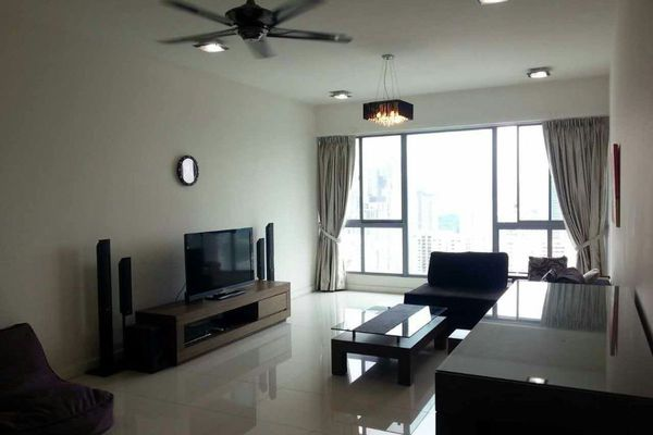 For Sale Condominium at Gateway Kiaramas, Mont Kiara Freehold Semi Furnished 2R/3B 990k