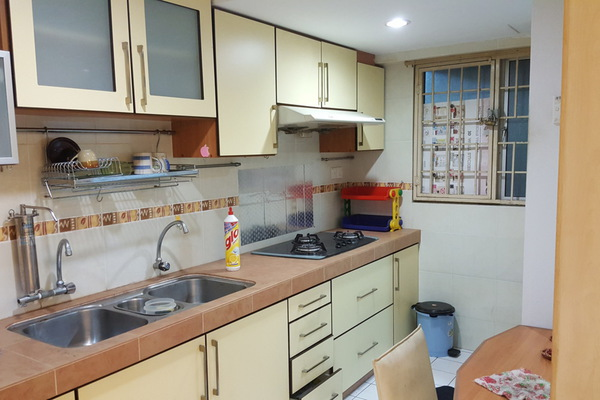 For Rent Apartment at Desa Dua, Kepong Freehold Semi Furnished 3R/2B 1.1k