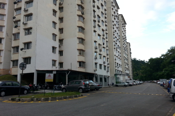 For Rent Apartment at Desa Aman Puri, Kepong Freehold Semi Furnished 3R/2B 1.2k