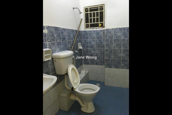 For Sale Condominium at Jati 1 Apartment, Subang Jaya Freehold Unfurnished 3R/2B 350k