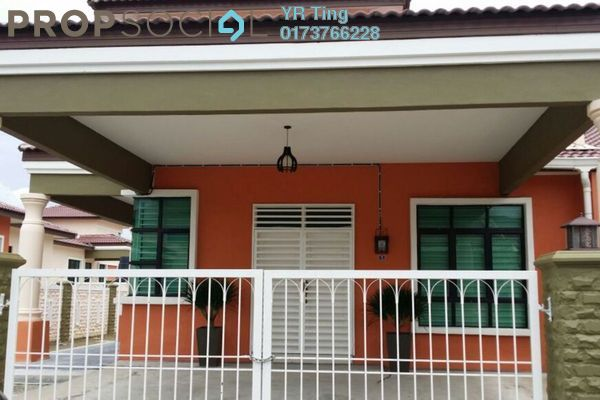 For Rent Semi-Detached at Kampung Pengkalan Badak, Bukit Katil Freehold Semi Furnished 4R/2B 1.8k