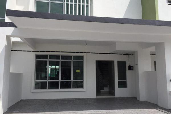 For Sale Terrace at Olive, HillPark Leasehold Unfurnished 4R/3B 550k