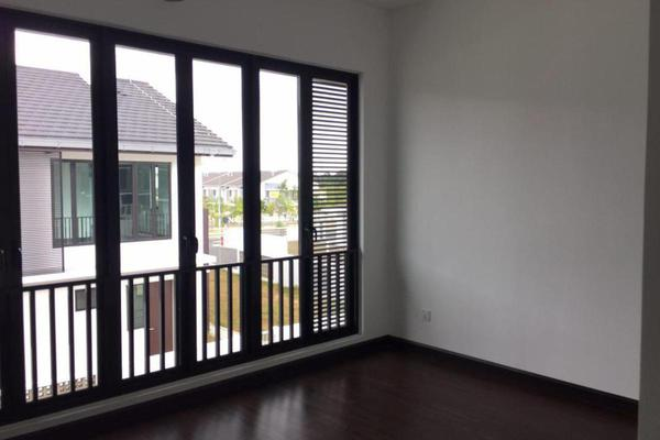 For Sale Superlink at Aralia, Elmina Gardens Freehold Unfurnished 4R/5B 1.6百万