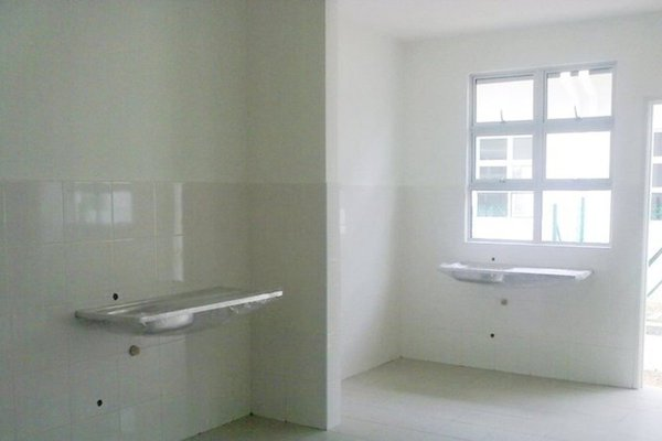 For Rent Condominium at Indah Residences, Kota Kemuning Freehold Semi Furnished 4R/3B 1.7k