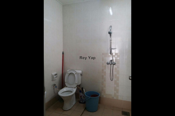For Sale Terrace at Section 6, Kota Damansara Leasehold Semi Furnished 4R/3B 900k
