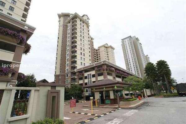 For Sale Condominium at Casa Indah 1, Tropicana Leasehold Semi Furnished 3R/2B 710k