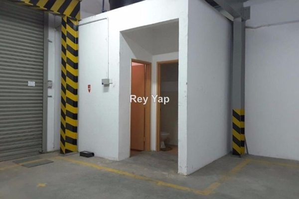 For Sale Factory at Taman Sri Ehsan, Kepong Leasehold Unfurnished 0R/3B 1.9m