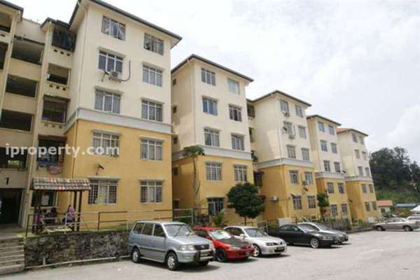 For Sale Apartment at Sri Baiduri Apartment, Ukay Leasehold Semi Furnished 4R/2B 320k