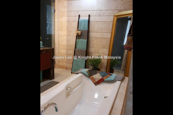 For Sale Condominium at Dua Residency, KLCC Freehold Semi Furnished 5R/6B 4.1m