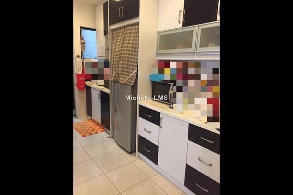For Rent Condominium at Pelangi Damansara Sentral, Mutiara Damansara Leasehold Semi Furnished 3R/2B 1.8k