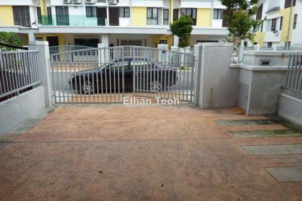 For Sale Terrace at Sutera Ria @ Sutera Damansara, Damansara Damai Leasehold Semi Furnished 4R/4B 850k