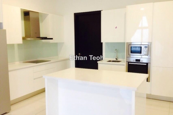 For Sale Condominium at Tropicana Grande, Tropicana Leasehold Semi Furnished 3R/4B 1.9m